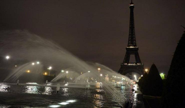 Parizienii vor aduce un omagiu victimelor de la Mogadiscio, cufundând în beznă Turnul Eiffel