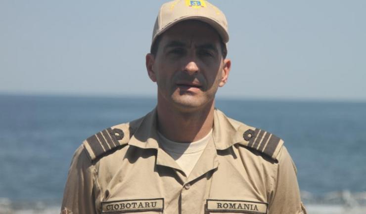 """Comandorul Marian Ciobotaru, comandantul Fregatei """"Regina Maria"""