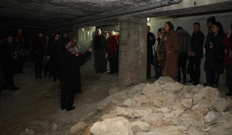 Conferința s-a încheiat cu o vizită la ruinele basilicii de sub hotelul Ibis