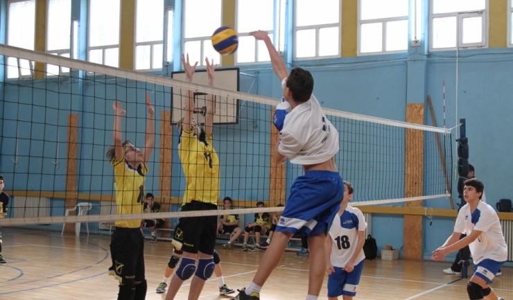 Jucătorii antrenați de Constantin Burungiu nu mai au voie să facă pași greșiți pentru a ajunge în semifinale