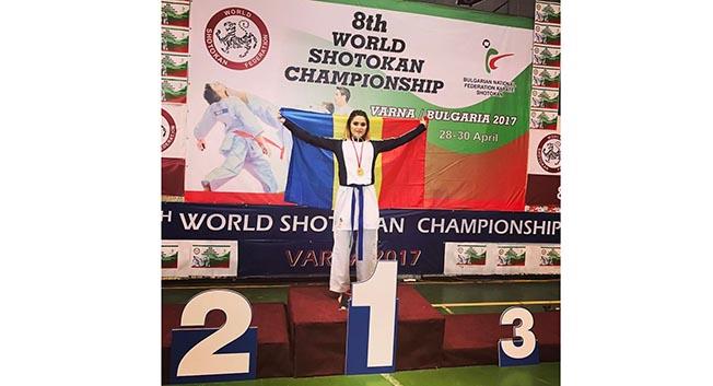 Andreea Cotoban a cucerit trei medalii la Campionatele Mondiale de Karate Shotokan de la Varna