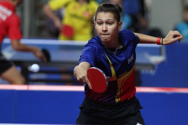 Constănțeanca Mihaela Plăeașu a urcat de trei ori pe podium în întrecerea junioarelor de la CB de tenis de masă