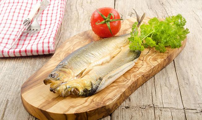 """Scrumbia de Dunăre afumată ar putea deveni """"atracție culinară europeană"""""""