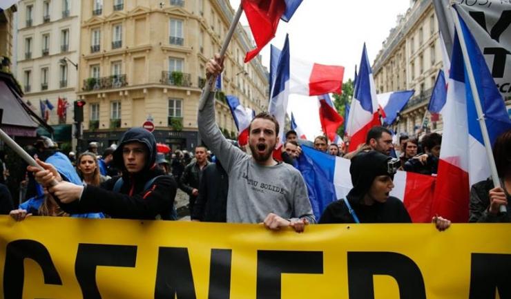 Membrii grupului de extremă dreaptă Generation Identitaire se opun valului de migranți din Orientul Mijlociu