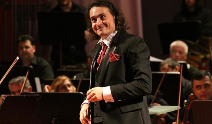 Dirijorul și baritonul Ionuț Pascu