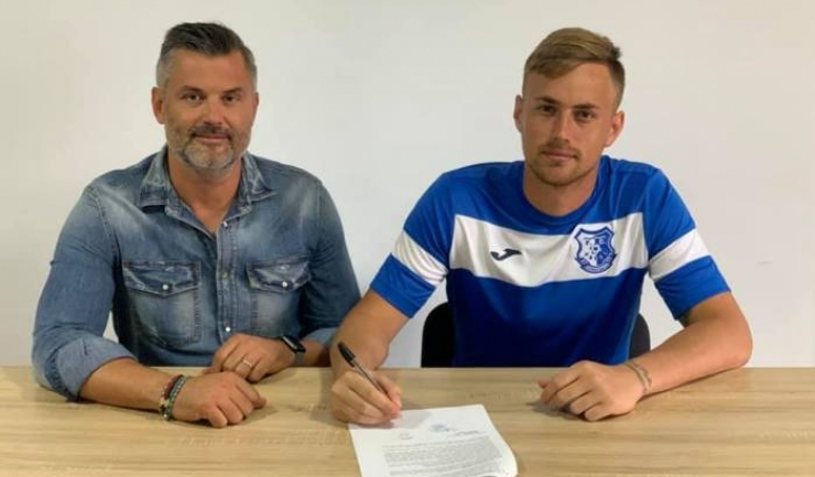 Tiberiu Curt, manager FC Farul, şi Vlad Muţiu (sursa foto: Facebook FC Farul Constanța)