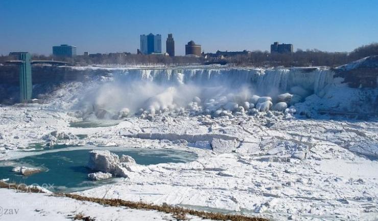 A înghețat cascada Niagara