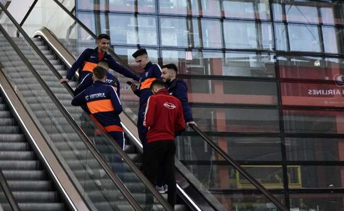 Fotbaliștii Viitorului sunt pregătiți pentru cantonament (sursa foto: Facebook Viitorul FC)
