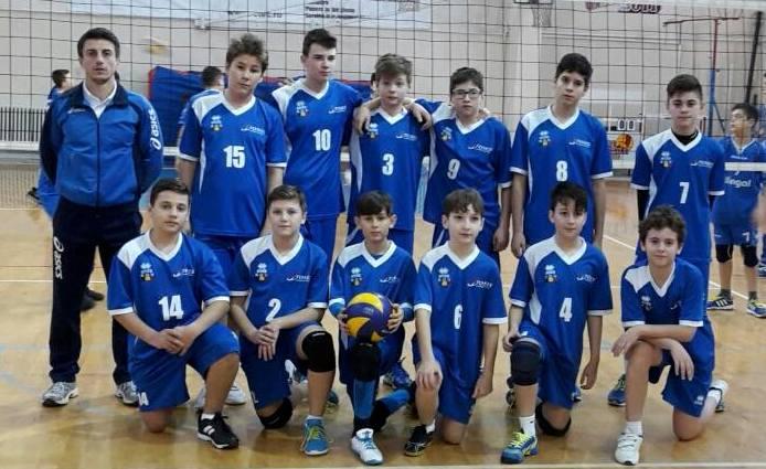 Anul trecut, micuții voleibaliști pregătiți de Constantin Burungiu au devenit vicecampioni naţionali