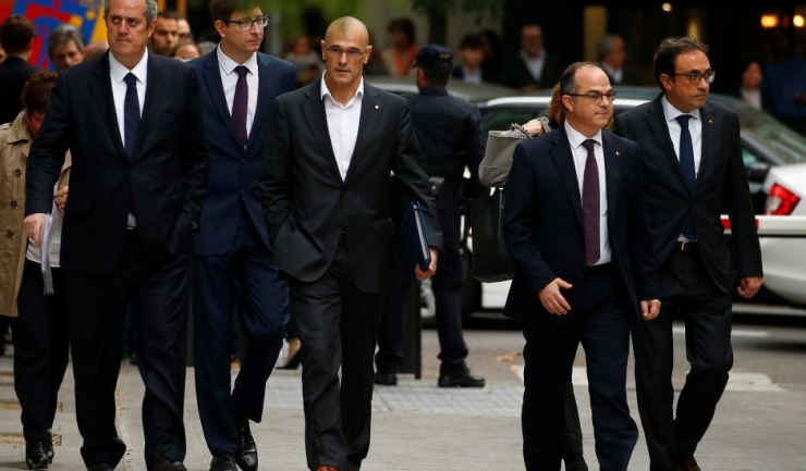 Foștii miniștri catalani s-au prezentat în fața unui judecător de instrucție de la Madrid