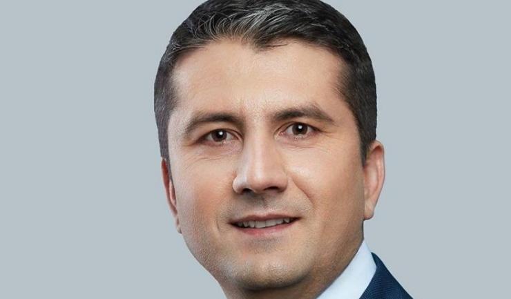 Primarul Făgădău, în vremea când, cosmetizat și aflat în campanie electorală, părea că se bucură...