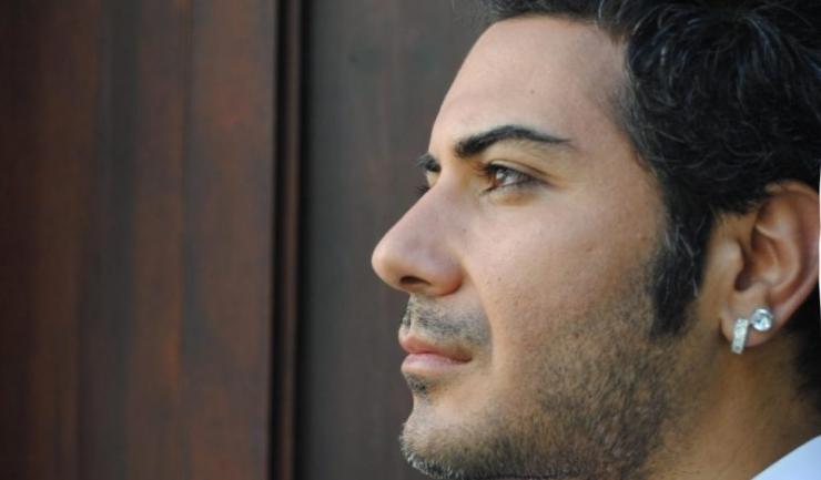 Artistul turc Deniz Cem, cunoscut publicului din România, va susține un recital pe scena din Piațeta Cazino