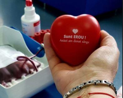 SOS! Veniți să donați sânge!