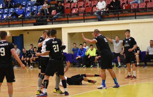 Handbaliștii pregătiți de Adrian Georgescu și Ionuț Deli-Iorga vor disputa trei meciuri la Brașov