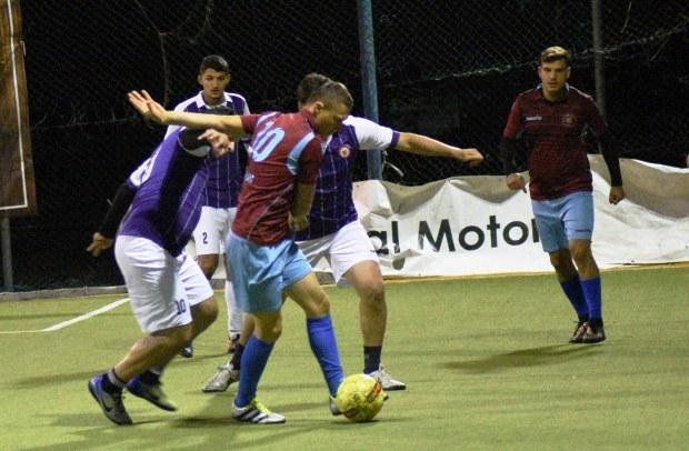 Duelurile din cele două ligi ale Campionatului Județean de minifotbal devin tot mai interesante