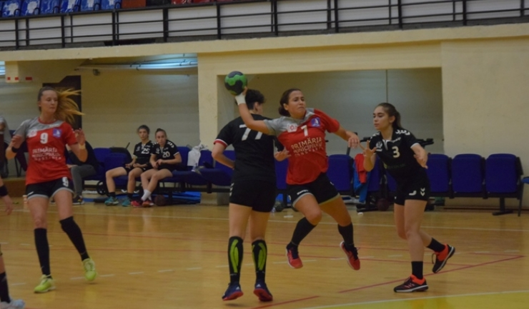 Handbalistele de la CSU Neptun vor disputa în etapa viitoare meciul decisiv pentru primul loc la finalul turului