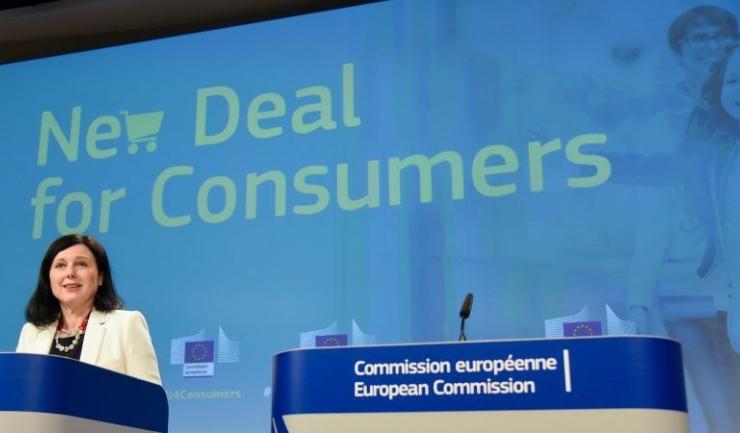 Din fericire pentru România, votul potrivnic dat de liberali a fost minoritar şi nu a împiedicat adoptarea noii legi europene care va permite statelor membre să aplice sancţiuni dure companiilor care comercializează sub acelaşi brand produse cu conţinut ş