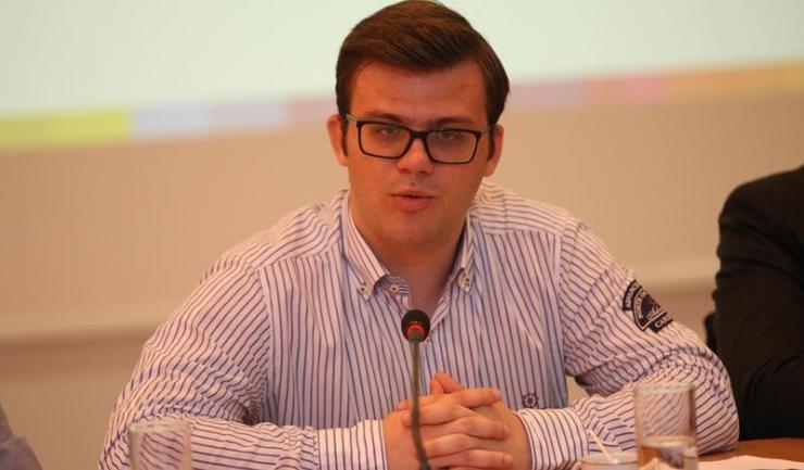 """Președintele Federației Tinerilor din Constanța, Alexandru Bajdechi: """"Această paradă este făcută ca să ascundă incompetența administrației care a anulat licitația pentru organizarea evenimentelor de Ziua Constanței"""""""