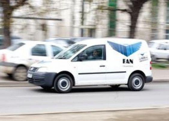 Fan Courier, obligată în urma controlului ANPC să respecte condiţiile generale privind furnizarea serviciilor poştale, respectiv respectarea timpilor de livrare pentru toate tipurile de servicii poştale interne şi internaţionale