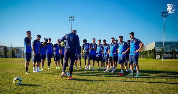 SSC Farul a avut un jucător eliminat încă din minutul 2 (sursa foto: Facebook FC Farul Constanța)