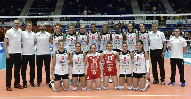 Echipa antrenată de Darko Zakoc a scris istorie pentru voleiului feminin din România