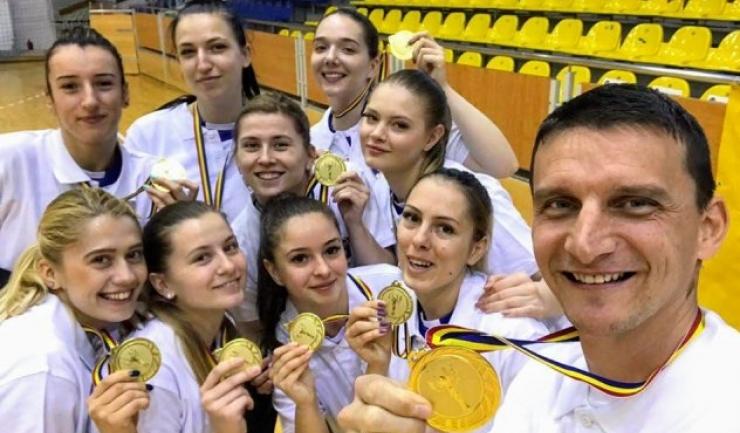Echipa feminină de volei (sursa foto: Clubul Sportiv Medgidia)