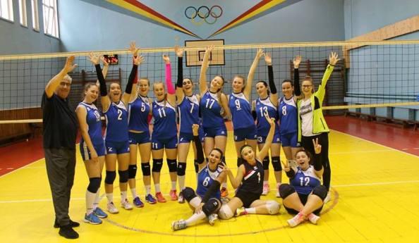 Fetele antrenate de Gheorghe Brînză şi Georgiana Tisianu au obţinut două victorii în turneul semifinal de la Piatra Neamţ