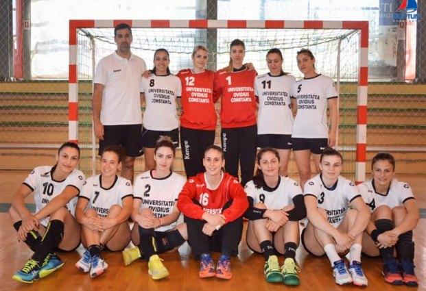 Formaţia feminină de handbal (sursa foto: CSU Neptun Constanta)