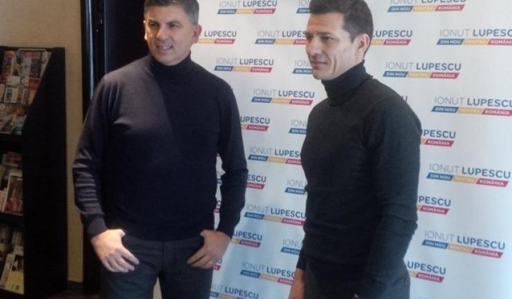 Constantin Gâlcă (dreapta) a pregătit-o pe Vejle Boldklub şi în finalul sezonului precedent