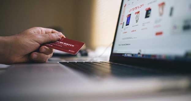 Începând de luni, 3 decembrie, retailerii online sunt obligați să accepte achiziții din toate statele membre și să și livreze produsele