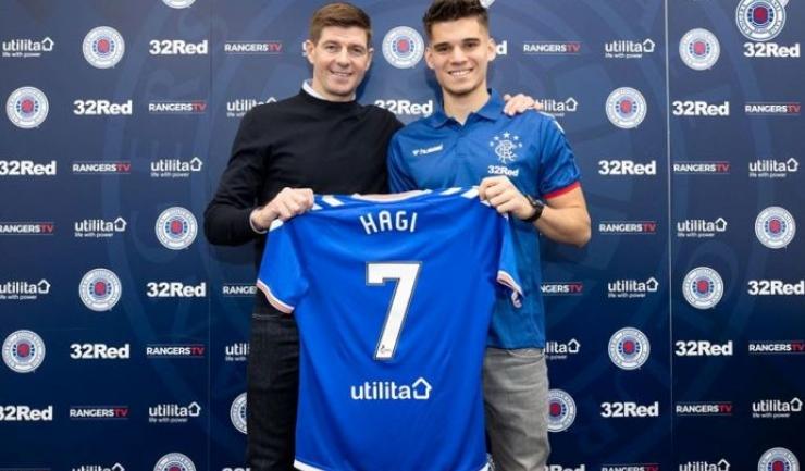 Steven Gerrard şi Ianis Hagi (sursa foto: Facebook Rangers FC)
