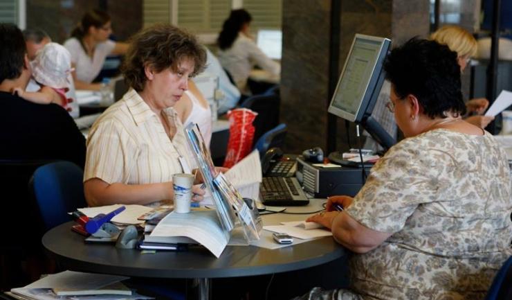 BNR vrea să pună frână creditelor de consum cu dobândă variabilă