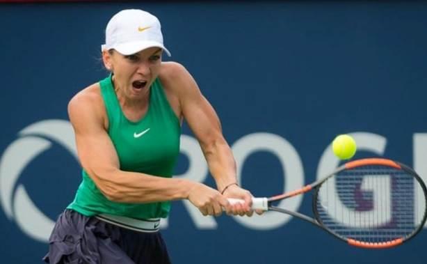 Simona Halep îşi păstrează avansul de 2.086 de puncte faţă de Caroline Wozniacki