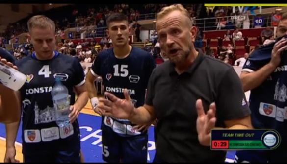 Antrenorul principal Zvonko Sundovski consideră că HCDS a început prost şi a terminat... tot prost partida cu Dinamo (sursa foto: hcdobrogeasud.ro)