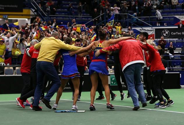 Hora bucuriei de la Ostrava (sursa foto: Neal Trousdale - Facebook Federaţia Română de Tenis)
