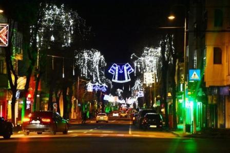 În 2017, Constanța a dat 9 milioane lei pentru iluminatul festiv, reprezentând 87% din valoarea ANUALĂ a serviciilor de iluminat public...