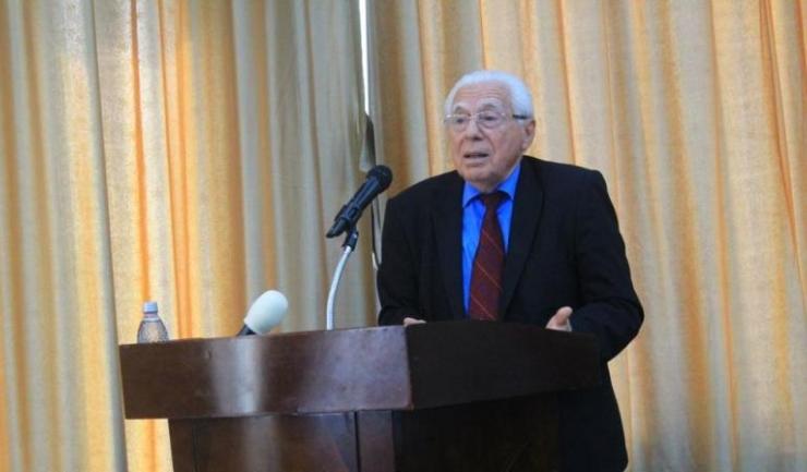 """Prof. dr. Ioan Gherghina: """"Singura metodă activă, eficientă de prevenire a îmbolnăvirii este vaccinarea antigripală"""""""