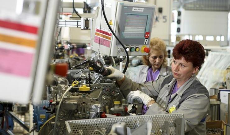 Temerile industriașilor români sunt alimentate de creșterea costurilor de producție și de scumpirea materiilor prime de import