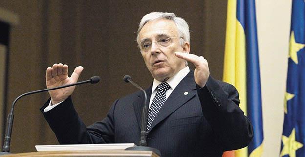 """Guvernatorul BNR: """"Sincer să fiu, nu știu în numele cui vorbește Darius Vâlcov. Garantez că nu a citit niciun raport al BNR, dar tot comentează politica monetară"""""""