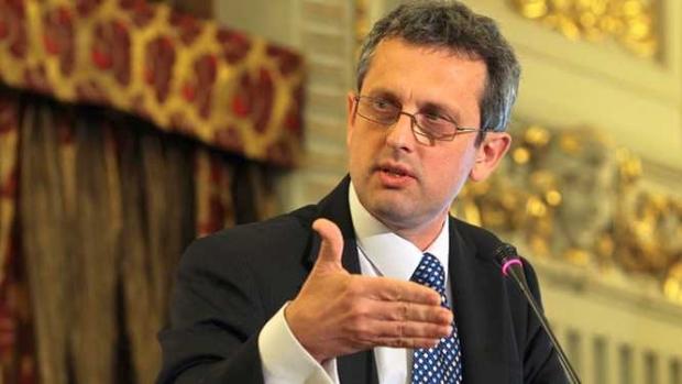 Printre criteriile cu risc enumerate de economistul-şef al BNR, Valentin Lazea, se află deficitul bugetar, inflaţia şi dobânzile