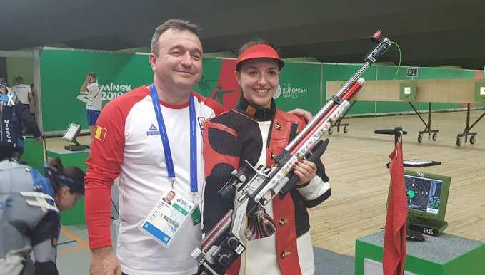 Laura Coman a urcat pe prima treaptă a podiumului (sursa foto: Facebook Comitetul Olimpic si Sportiv Roman)