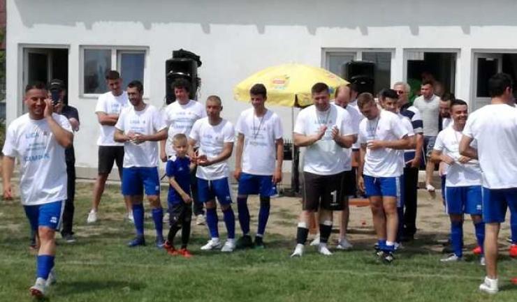 CS Poseidon Limanu-2 Mai s-a clasat pe prima poziție, fiind premiată pentru câștigarea Ligii a IV-a (sursa foto: Facebook Marian Creteanu)