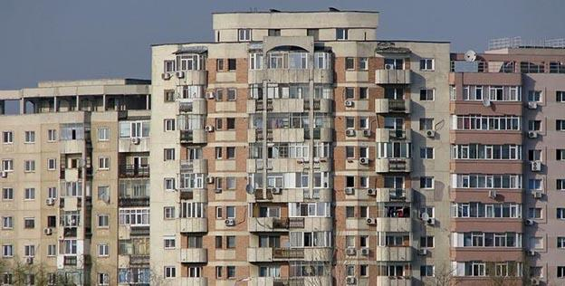 Aproape jumătate din populația țării stă în imobile mai vechi de 34 de ani