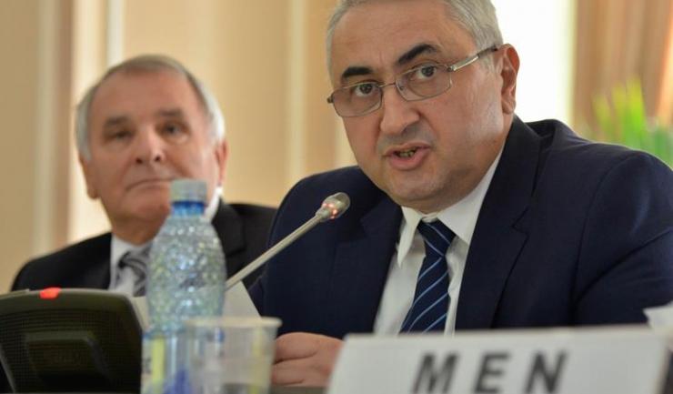 Ministrul Educaţiei, Valentin Popa