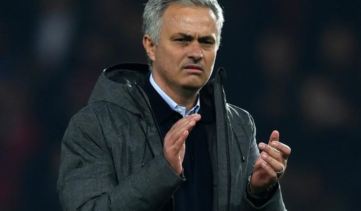 Antrenorul José Mourinho şi-a mai trecut un trofeu în palmares