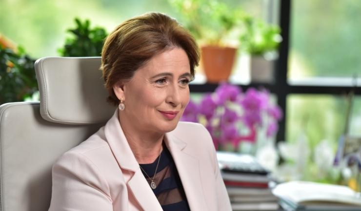 """Gilda Lazăr, director Corporate Affairs & Communications, JTI România: """"Din nou, ca de atâtea ori când Guvernul are nevoie de bani pe termen scurt, industria tutunului devine pedepsitul de serviciu"""