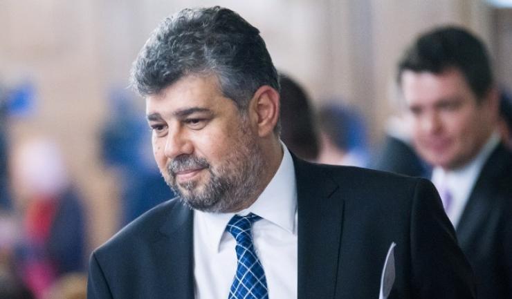 Potrivit liderului interimar al PSD, Marcel Ciolacu, social-democraţii urmează să înceapă, în cadrul şedinţei, strângerea de semnături pentru depunerea unei moţiuni de cenzură privind demiterea Cabinetului Orban în următoarea sesiune parlamentară