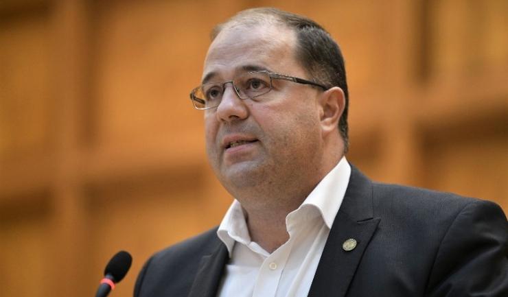 """Preşedintele executiv al PMP, deputatul Marius Paşcan: """"Calitatea proastă a resursei umane se vede la fiecare examen de titularizare în care aproape jumătate din candidaţi nu promovează examenul"""""""