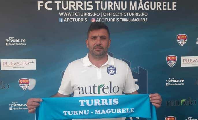Marius Baciu a devenit antrenorul echipei din Turnu Măgurele la 23 octombrie (sursa foto: Facebook FC Turris Turnu Măgurele)