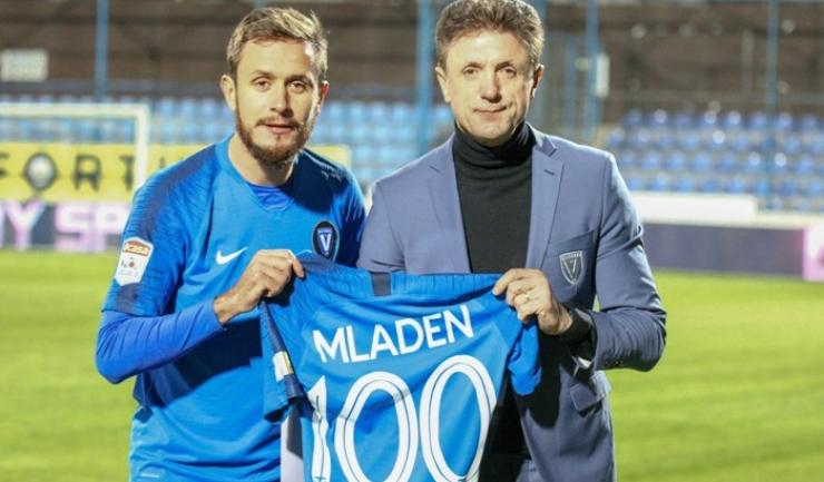 Sebastian Mladen şi Gheorghe Popescu, preşedintele FC Viitorul (sursa foto: www.fcviitorul.ro)